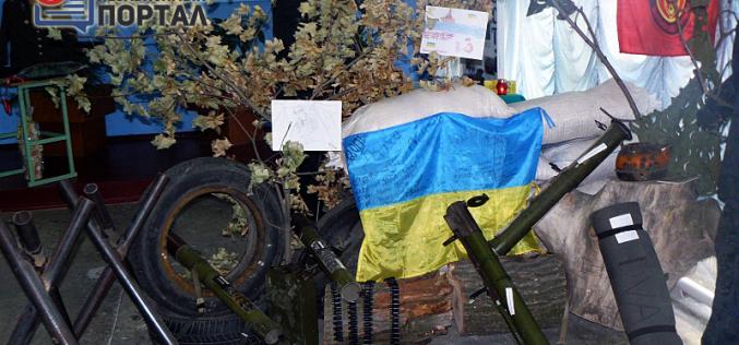 В Павлоградском лицее открылась экспозиция, посвященная АТО (ФОТО и ВИДЕО)