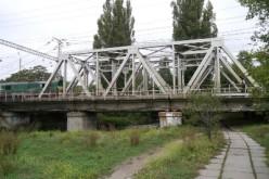 Залізничні мости охоронятимуть собаки