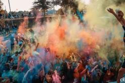 Вперше в Павлограді пройшов фестиваль фарб (ФОТОРЕПОРТАЖ)
