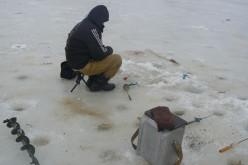 Товщина льоду на р. Вовчій становить 15 см