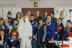 Павлоградські жінки зшили для військових 35 зимових маскувальних костюмів