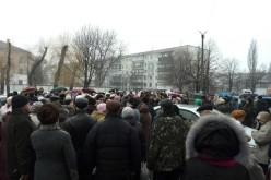Мітинг проти закриття лікарні на селищі Хімзавод зібрав близько 1,5 тис чоловік (ФОТО)