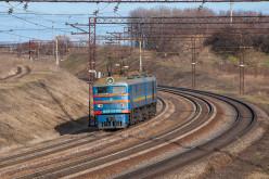 На залізничній станції Павлограда затримано крадія, який намагався розібрати колію