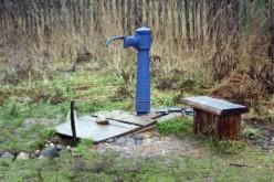 У Павлограді люди несуть з колонок… технічну воду