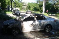 Вночі в центрі Павлограда згорів автомобіль