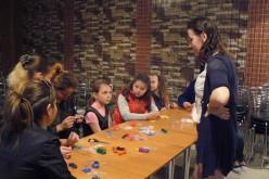 У Павлограді пройшов майстер-клас з плетіння шамбал (ФОТО)