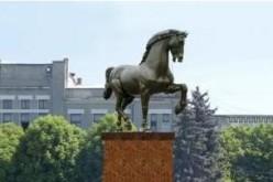 Замість Леніна запропонували встановити… коня