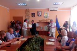Павлоградським медикам вручили ключі від авто та квартири