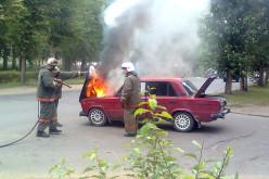 У Павлограді автомобіль загорівся під час їзди
