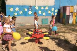 На районе Пятихатки появилась долгожданная детская площадка