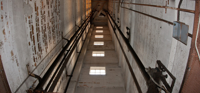 В Павлограде не работает почти половина лифтов