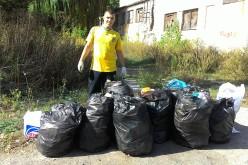 Павлоградцы собрали больше 40 мешков мусора за пару часов