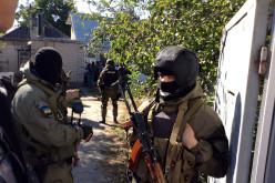 «Маски-шоу»: в Павлограде проводят обыски у членов формирования «Павлоградская Самооборона» (ФОТО и ВИДЕО)