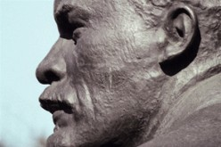 В Павлограде «ушел» очередной памятник Ильичу
