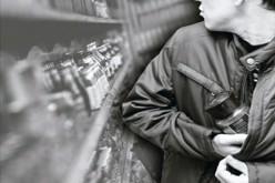 В Терновке парень стащил с прилавка… две пачки кофе