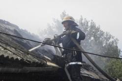 Вместе с сухой травой в Павлограде сгорело несколько хозяйственных построек