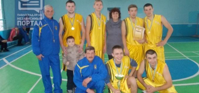 Баскетболисты Павлоградского района выиграли чемпионат области