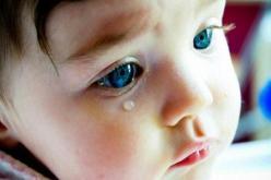 В Павлограде 3-летний ребенок загнал себе в затылок … шуруп