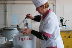 В Першотравенске открылась бесплатная столовая для переселенцев
