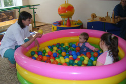 За год центр реабилитации в Павлограде посещают 100 «особенных» детей