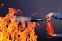 В квартире загорелся газовый счетчик и мебель на кухне