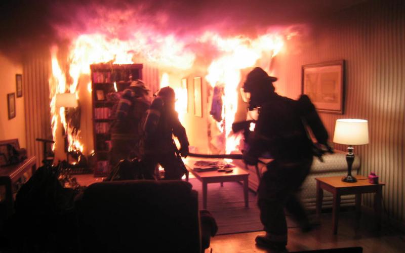 Пьяный павлоградец закурил в постели и спровоцировал пожар