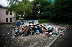 В одном из дворов Павлограда загорелось 5 тонн мусора