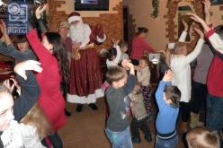 Дети с Донбасса попросили у Деда Мороза мира