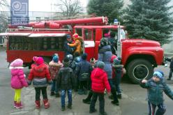 Павлоградские спасатели рассказали дошколятам о своей работе