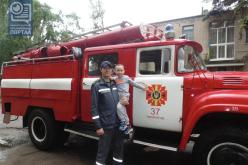 Пожарные приехали в гости к дошкольникам (ФОТО)