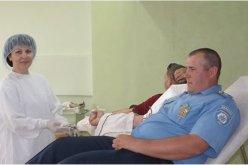 Павлоградские полицейские присоединились к акции «Сдай кровь — спаси жизнь»