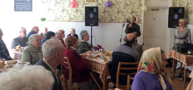 День Победы пожилые люди отметили праздничным обедом