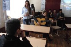 Необычный урок в обычной школе (ФОТО)