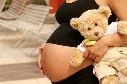 В прошлом году в Павлограде 10 несовершеннолетних девушек стали мамами
