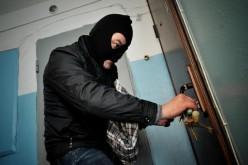 Воры подобрали ключи и вынесли из квартиры всю бытовую технику