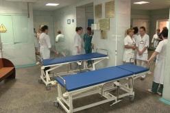 В больницу №4 приобрели кровати-каталки стоимостью около 100 тыс. грн