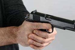 В Богуславе полицейский открыл стрельбу по подозреваемому