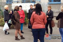 В Павлограде дом 4 дня живет без электричества. Люди готовы перекрывать трассу
