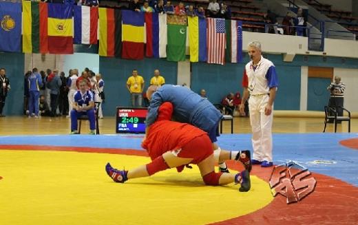 Павлоградец привёз серебро с чемпионата мира по самбо