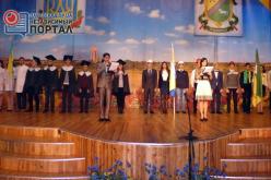 Полсотни студентов и школьников Павлограда получили стипендии от мэра города
