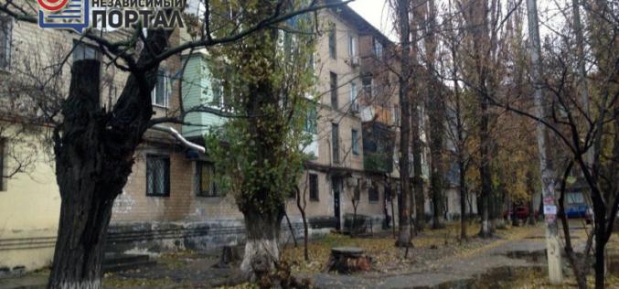 «Сезон дождей» павлоградская многоэтажка встретила с раскрытой крышей