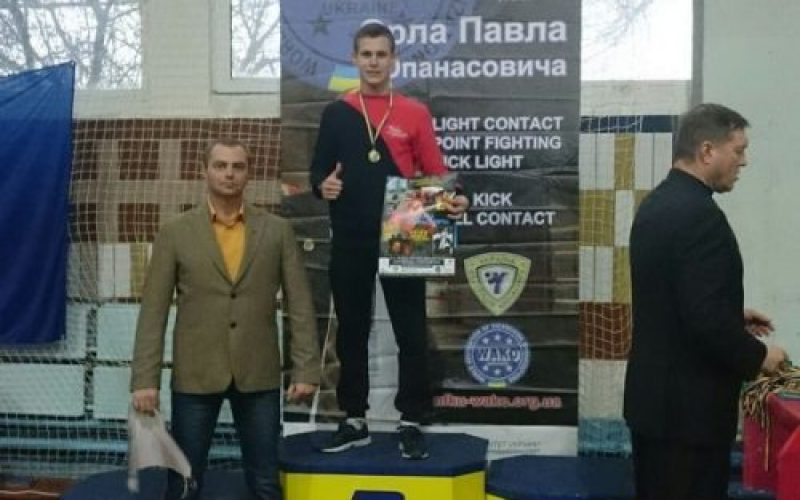 Павлоградец завоевал 2 золотые медали на соревнованиях по кикбоксингу