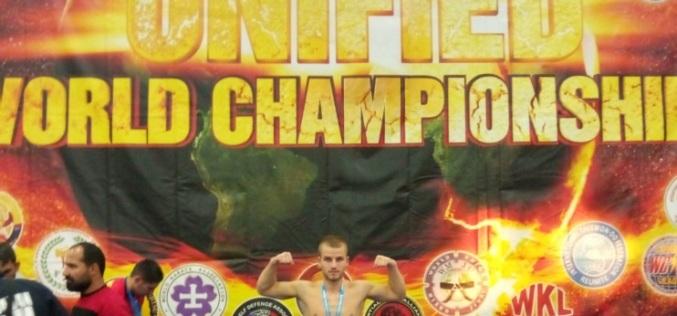 Пожарный-кикбоксер из Першотравенска завоевал серебро на соревнованиях мирового уровня