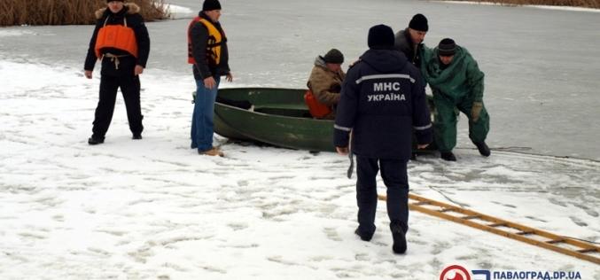 Спасатели доставали «рыбака» из ледяной воды реки Волчья