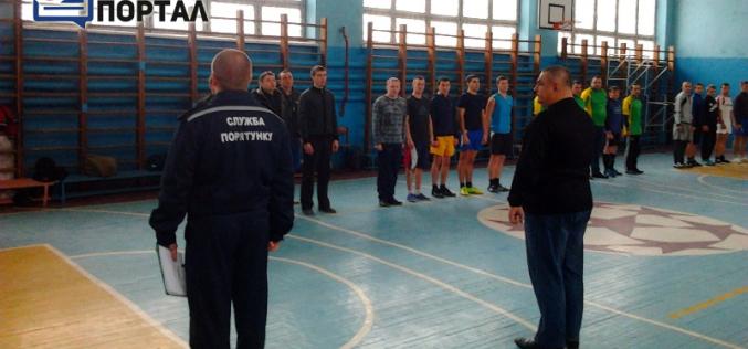 Спасатели Западного Донбасса соревновались в мини-футболе