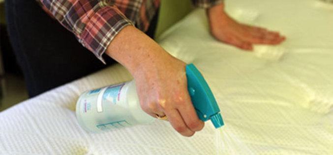 Как очистить матрас от пятен? Простой способ