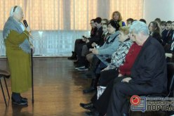 Школьники встретились с автором книги о Павлоградском восстании