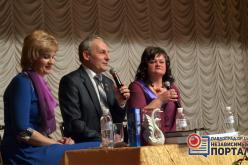 Павлоградский актер Александр Гуржий презентовал два авторских сборника сонетов (ФОТОРЕПОРТАЖ)