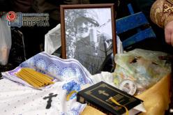 «В день его смерти был бы год, как он пришёл на войну»: похороны павлоградца, погибшего в АТО