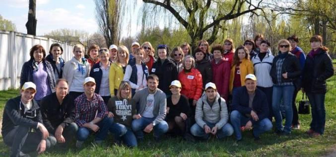 Сотрудники ДТЭК ШУ Павлоградское облагородили территорию парка на ул. Комарова